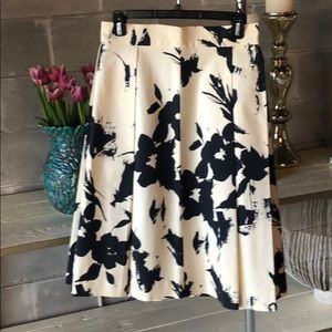 Zara woman size 8 floral skirt
